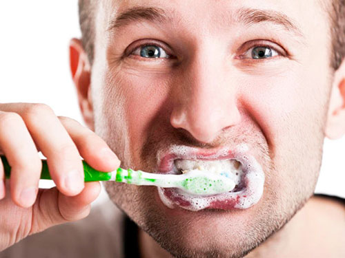 Очищающая пенка для зубов и десен